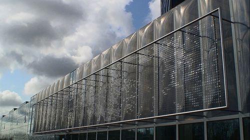 Facade-array
