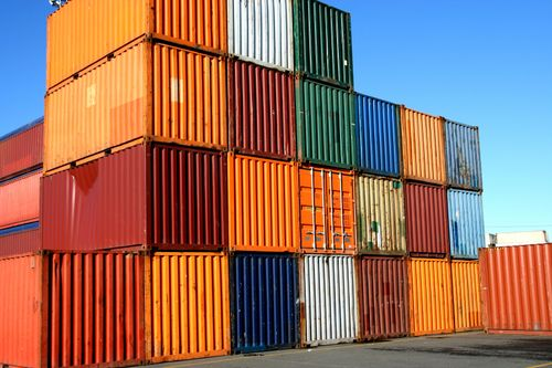 Stacked-shipping-containers
