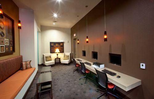The-belmont-leed-silver-internet-lounge