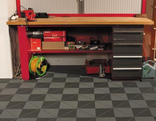 Swisstrax-modular-garage-floor2