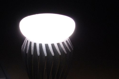LSG 60W Equivalent LED Bulb